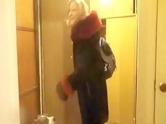 trio ella su marido y el perro